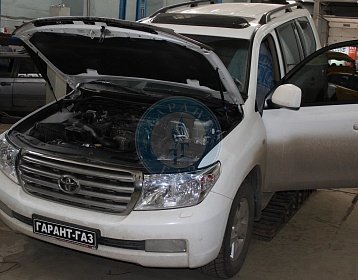 Toyota Land cruiser 200 2010 года 288 л.с. 4664